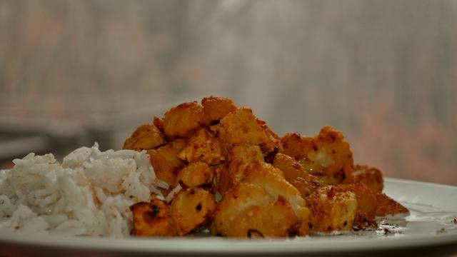 Ovo je jedno zimsko jelo u neobičnoj kombinaciji tofua i cvjetače.